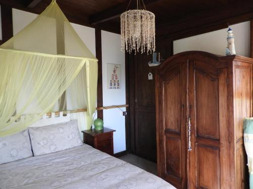 A bed or beds in a room at Il nido d'amore sul mare
