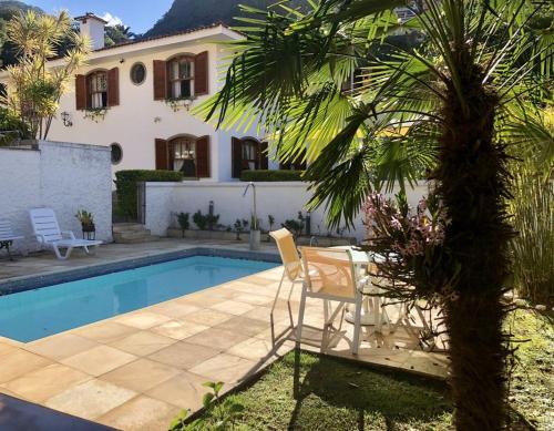 The swimming pool at or close to Casa do Pinheiro