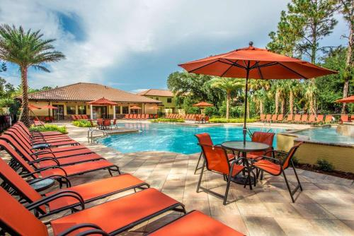 The swimming pool at or close to The Fountains Resort Orlando at ChampionsGate
