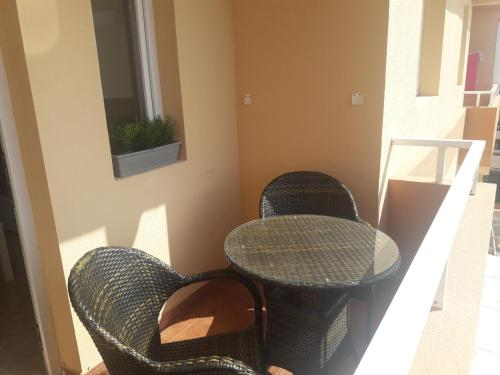 A balcony or terrace at Burrero Seasight