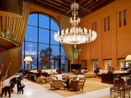 A restaurant or other place to eat at Sofitel Cairo Nile El Gezirah