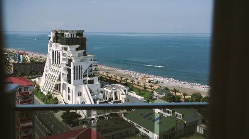 منظر البحر العام أو منظر البحر من الشقة الفندقية