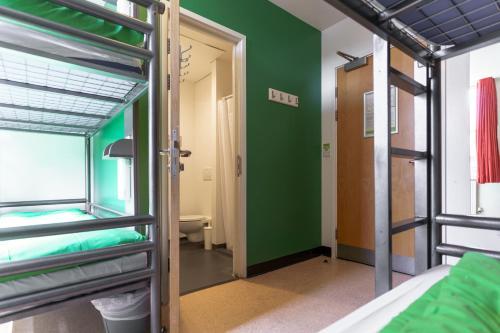 Un ou plusieurs lits superposés dans un hébergement de l'établissement YHA London Central