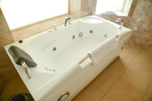 A bathroom at Sheremetievo-Transit Hotel