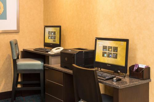 The business area and/or conference room at Residence Inn by Marriott Ottawa Airport