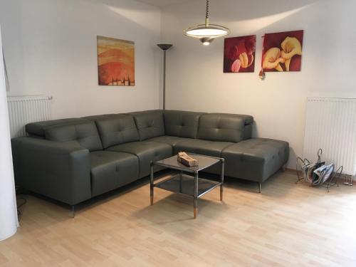 Ein Sitzbereich in der Unterkunft Ferienwohnung Haus Waldesruh