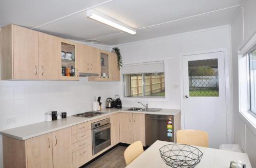 A kitchen or kitchenette at HIGHTIDE