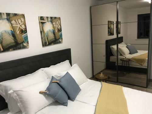 Ein Bett oder Betten in einem Zimmer der Unterkunft Korcula Holiday