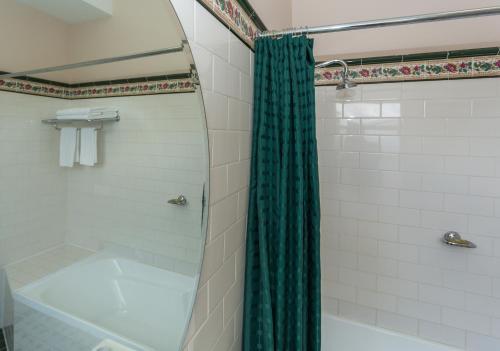 A bathroom at Palais Royale