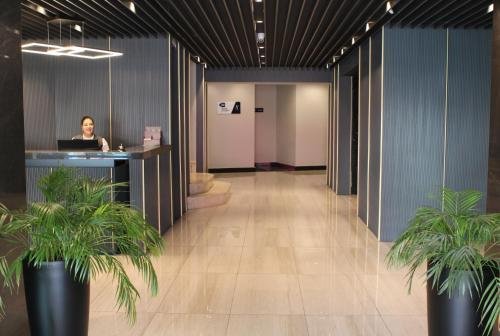 منطقة الاستقبال أو اللوبي في فندق نوبل