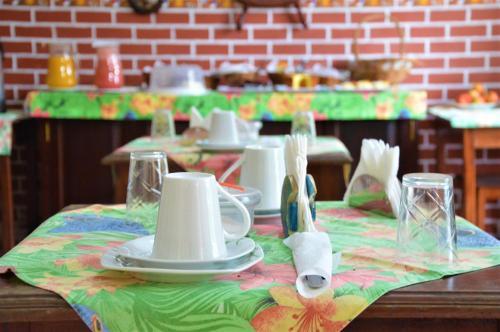 A restaurant or other place to eat at Pousada do Imperador