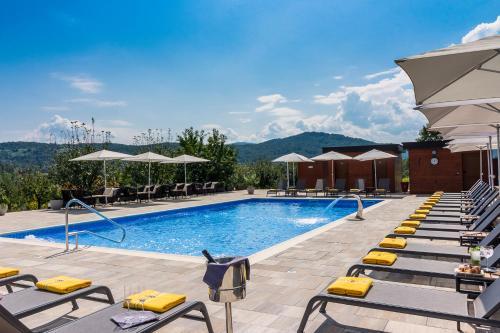 The swimming pool at or close to Hotel Degenija
