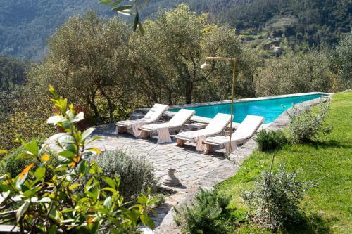 The swimming pool at or close to Eremo della Maddalena
