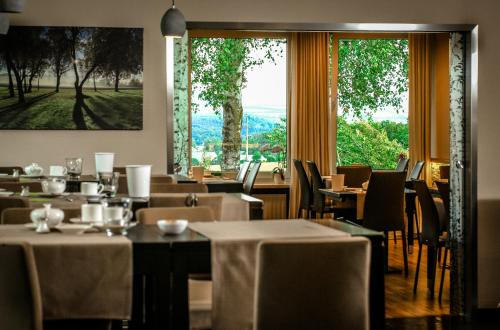 A restaurant or other place to eat at Landidyll Hotel Restaurant Birkenhof