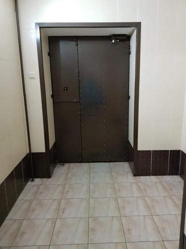 A bathroom at Apartment on Tomashevskiy Tupik