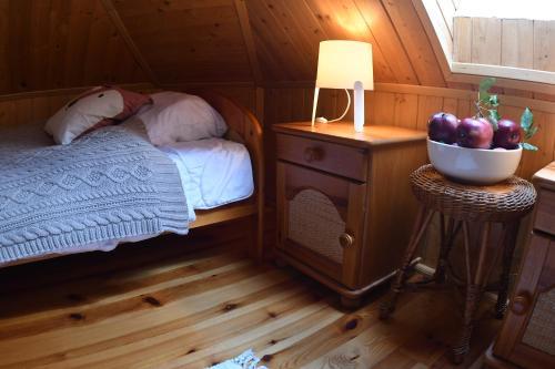 Łóżko lub łóżka w pokoju w obiekcie Dom Mazurski Raj