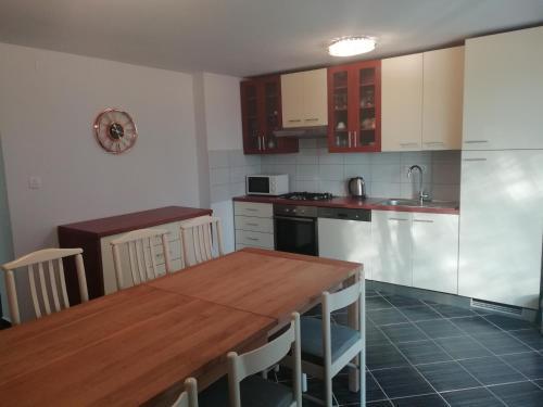 Kuhinja ili čajna kuhinja u objektu Hostel Eva