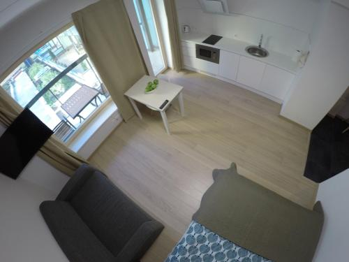 A seating area at NordStar Apartments