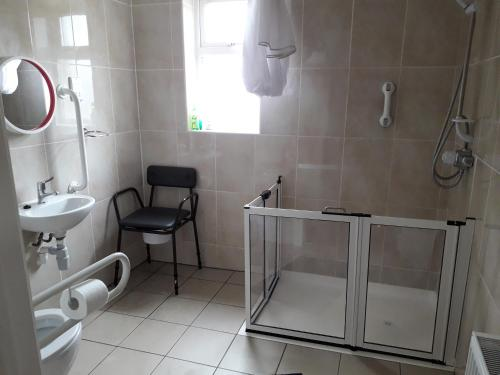 A bathroom at Causeway tavern bed & breakfast
