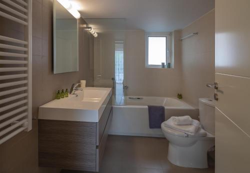 A bathroom at SAGITTARIUS - FALIRO SEA SIDE APARTMENT
