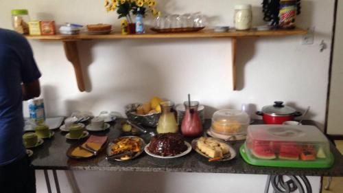 Breakfast options available to guests at Pousada Ponta de Areia
