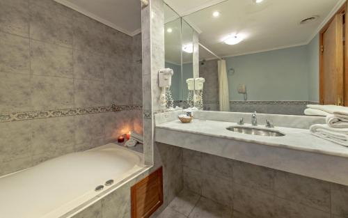 Un baño de Hotel Tronador