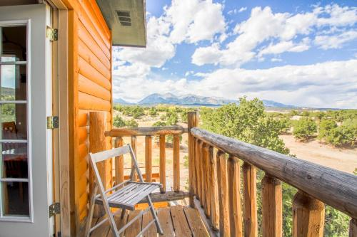 A balcony or terrace at Mountain Goat Lodge