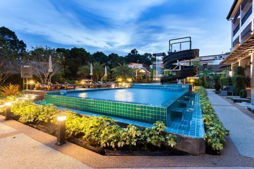 The swimming pool at or near Aonang Viva Resort