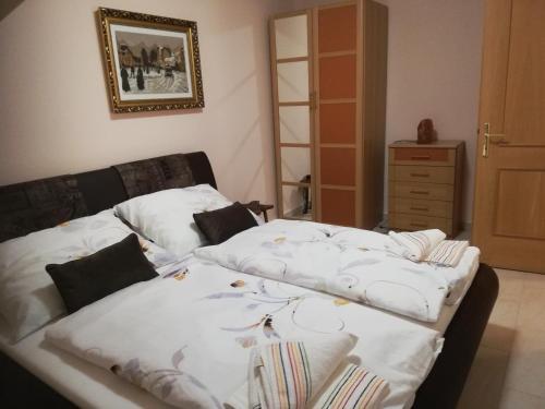 Postel nebo postele na pokoji v ubytování Liesingbachstraße 151/5 Ferienwohnung