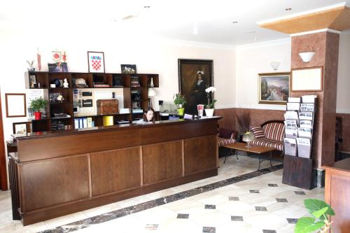 The lobby or reception area at Hotel Lavica