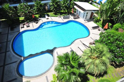 A view of the pool at BS Residence Suvarnabhumi or nearby