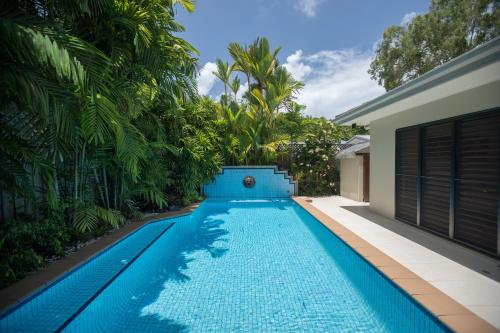 The swimming pool at or near 6 Beachside