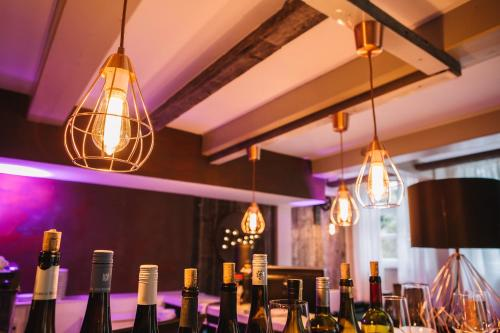 Ein Restaurant oder anderes Speiselokal in der Unterkunft Boutique Hotel Pfauen
