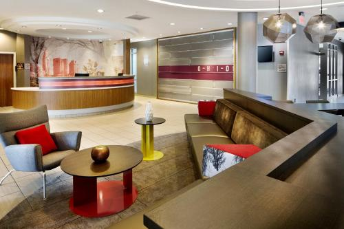 The lobby or reception area at SpringHill Suites by Marriott Columbus OSU