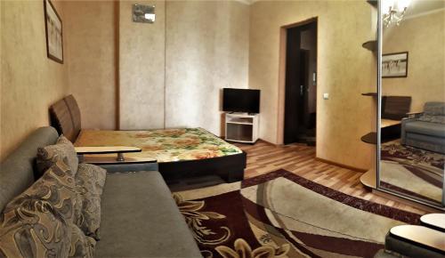 Гостиная зона в 1 ком Малахова 119