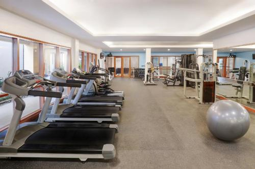 The fitness center and/or fitness facilities at Novotel Surabaya Hotel