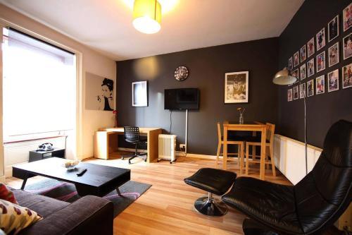 Charles Apartment