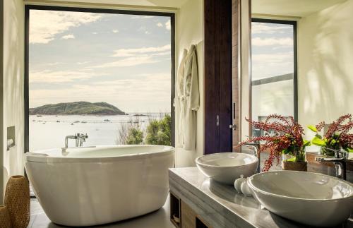 Phòng tắm tại Anantara Quy Nhon Villas