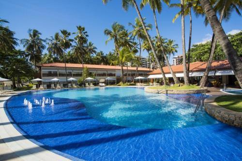 The swimming pool at or close to Flat Jatiúca Suítes Resort