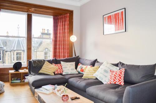 2 Bedroom Apartment in Edinburgh with Views