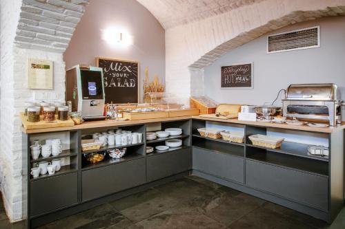 Ресторан / й інші заклади харчування у Hotel NOIR