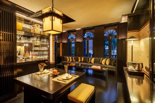 A restaurant or other place to eat at Six Senses Duxton