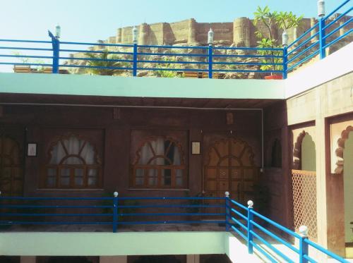 A balcony or terrace at Namaste Caffe