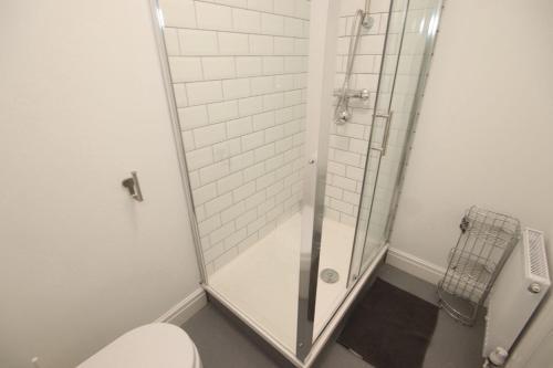 A bathroom at City pad