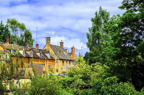 Blockley Villa Sleeps 6 WiFi