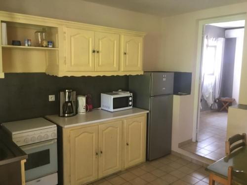 Cuisine ou kitchenette dans l'établissement Matilona