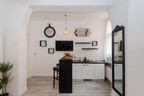 A kitchen or kitchenette at Wenceslas Square / Main Station - NEW STUDIO*****