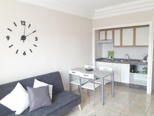 Una cocina o zona de cocina en Apartamentos Costa Adeje