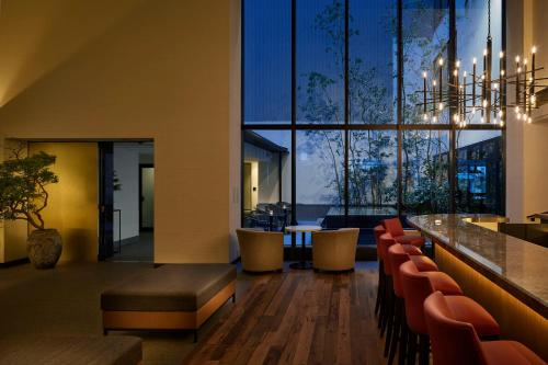 A seating area at Hotel Resol Trinity Kyoto