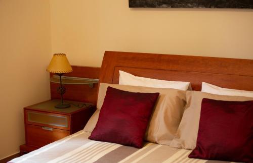 Uma cama ou camas num quarto em M&A Douro Valley House